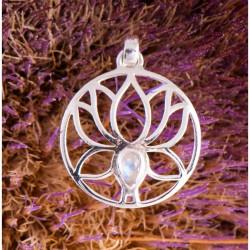 Prívesok striebro - Lotus s mesačným kameňom