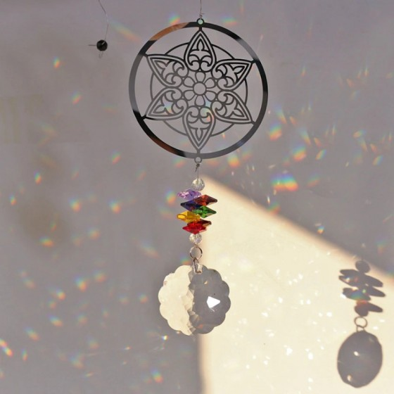 Závesná dekorácia s krištáľmi - mandalka