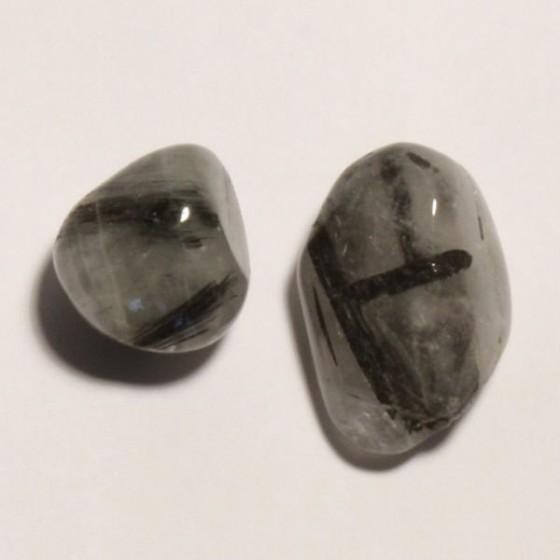 Polodrahokam - Turmalín skoryl v krištáli L